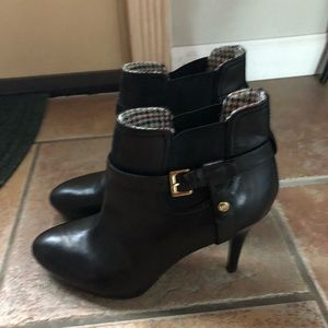 Tommy Hilfiger Shoes - Ankle booties!